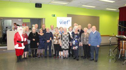 VIEF-Landen-W.W. houdt kerstfeest