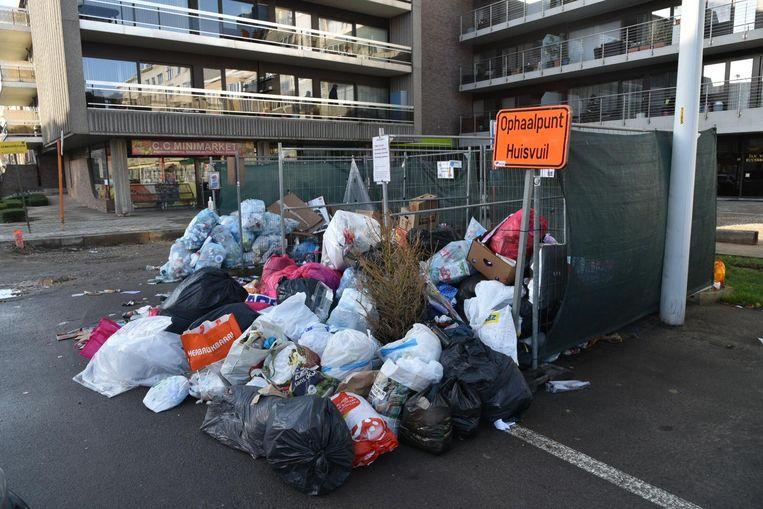 Ophaalpunt afval wordt stortplaats in Strombeek-Bever.