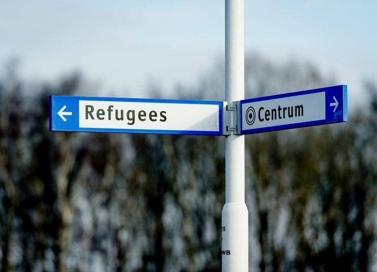Bewegwijzering nabij het asielzoekerscentrum (AZC) in Ter Apel. Beeld anp