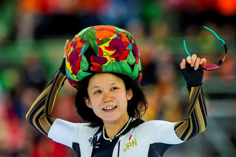 Miho Takagi viert haar overwinning. Beeld Reuters