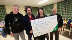 Hartverwarmend: acteur uit 'Het Eiland' krijgt 6.000 euro van buren voor dochter met zeldzame ziekte