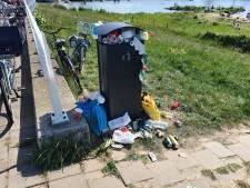 Gemeente Kampen en Rijkswaterstaat onderzoeken beste aanpak afval op strandjes langs de IJssel