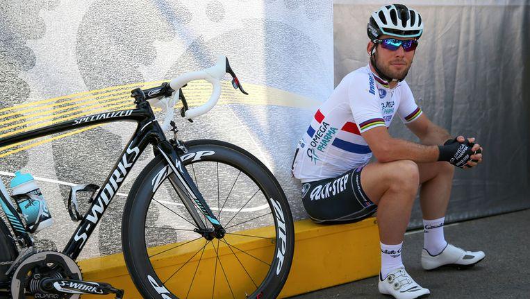 Mark Cavendish maandag in Ajaccio, voorafgaand aan de derde etappe. Beeld getty