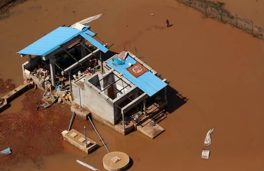 In Beira zijn tenminste 11.000 huizen verwoest en veel woningen zijn ondergelopen.
