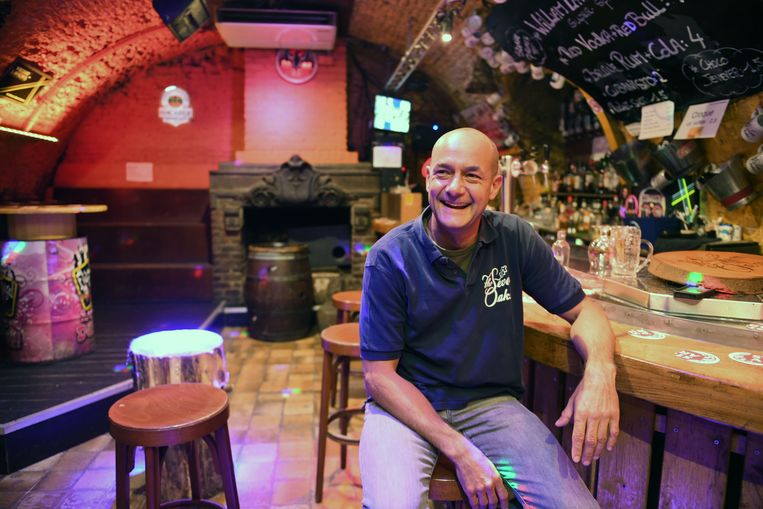 Cafébaas Roel Verhoeven  sluit de deuren