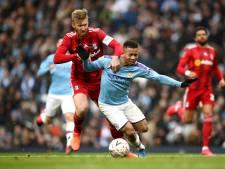 Fulham met tien man kansloos tegen Manchester City