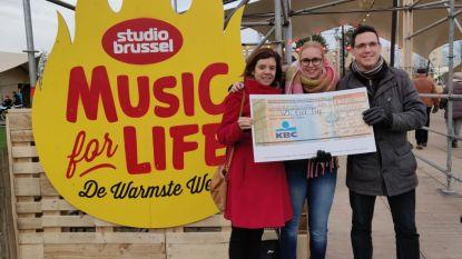 """Politie verkoopt snoep tijdens Warmste Week: """"1.300 euro voor VZW Over-Hoop"""""""