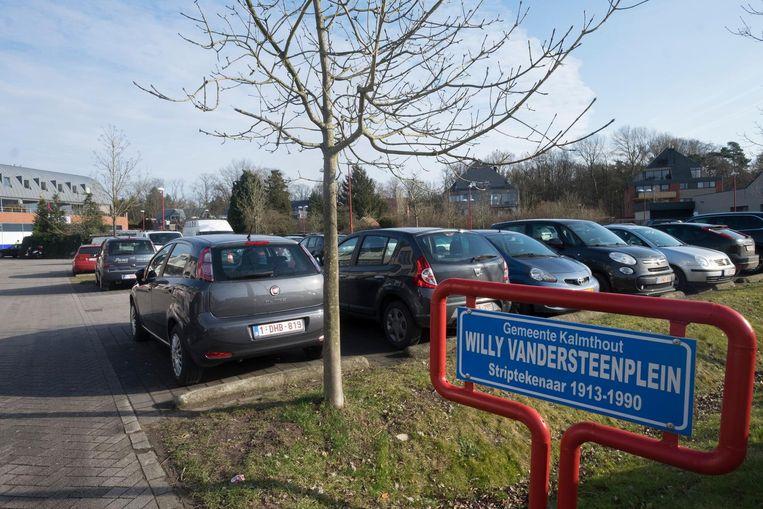 Met de blauwe schijf mag je maximaal twee uur lang parkeren op het Willy Vandersteenplein.