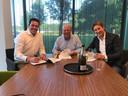 Peter Gillis met de familie Vos van EuroParcs.