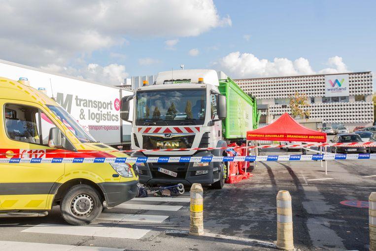 Op de parking van het winkelcentrum Westland Shopping in Anderlecht is vrijdagmiddag een dodelijk verkeersongeval gebeurd.