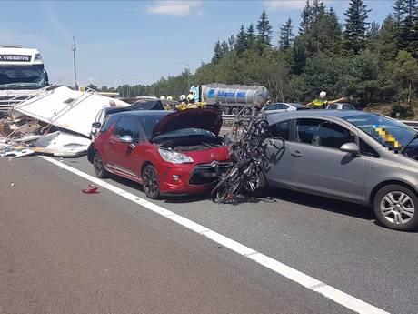 Enorme ravage op A12: ongeval met tankwagen en 4 auto's