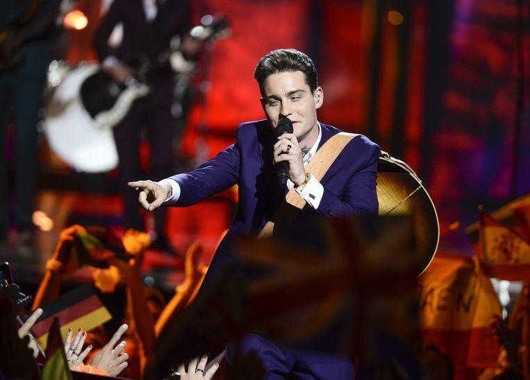 Douwe Bob tijdens zijn optreden in de finale van het Eurovisie Songfestival. Beeld anp