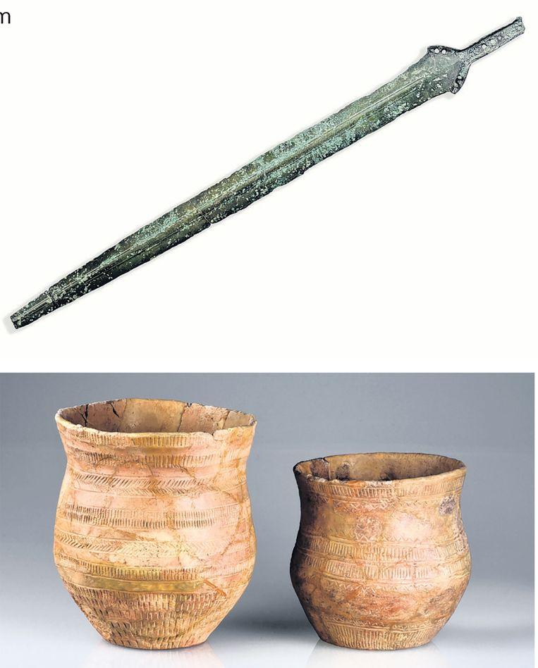Archeologische vondsten van Ger Holtrop. Drents Museum. Beeld -