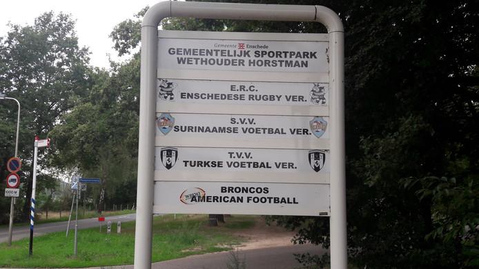 Het Wethouder Horstmanpark in Enschede wordt de komende jaren vrijgespeeld. De clubs ERC, SVV'91, TVV en Broncos moeten verhuizen.