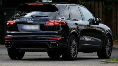 """Politierechter neemt Porsche Cayenne en Volkswagen Crafter in beslag van Ninovieter met rijverbod die blijft rondrijden: """"Volgende keer wacht de gevangenis"""""""