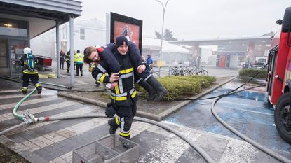 Brandweer houdt geslaagde oefening in oude Delhaize