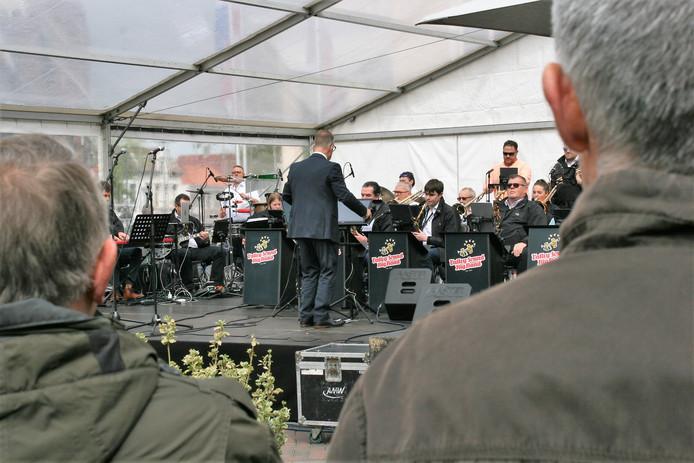 Koningsdag 2019 in Roosendaal met een optreden van de Valley Sound Big Band op de Markt.