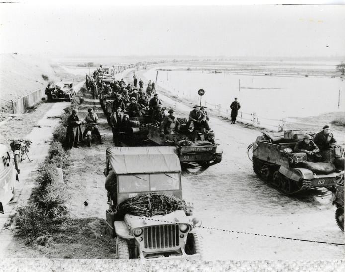 Canadese troepen maken zich gereed voor de gevechten op Zuid-Beveland en Walcheren en de uiteindelijke Slag om de Sloedam. Foto's van Bevrijdingsmuseum Zeeland