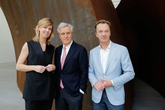 Artistiek directeur Suzanne Swarts, kunstverzamelaar Joop van Caldenborgh en algemeen directeur Wim Pijbes