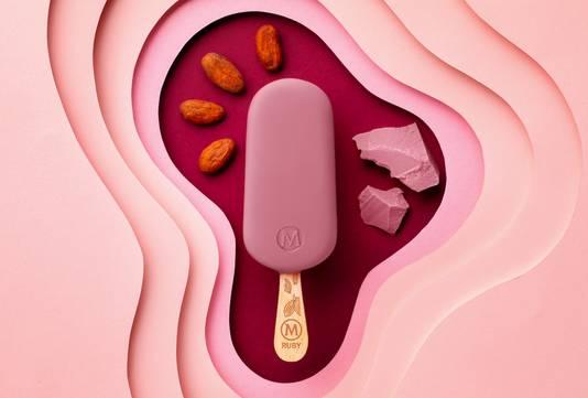 De Magnum Ruby is een nieuwe ijservaring; niet bitter, zoet of alleen maar romig, maar een op zichzelf staande categorie.