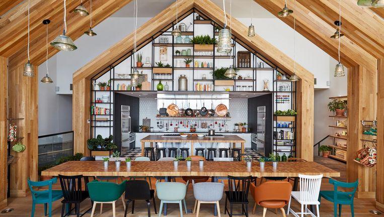 Gemeenschappelijke keuken in het Urby-complex van architectenbureau Concrete op Staten Island, New York. Beeld Concrete