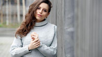 "'Thuis'-actrice Lynn Van den Broeck richt zich helemaal op carrière: ""Kinderen vóór mijn dertigste, dat plan heb ik laten varen"""