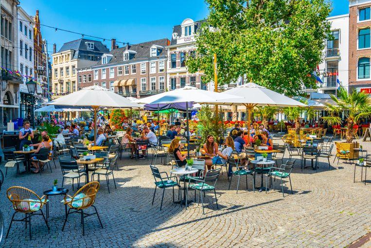 Terrasjes op het Buitenhof in Den Haag