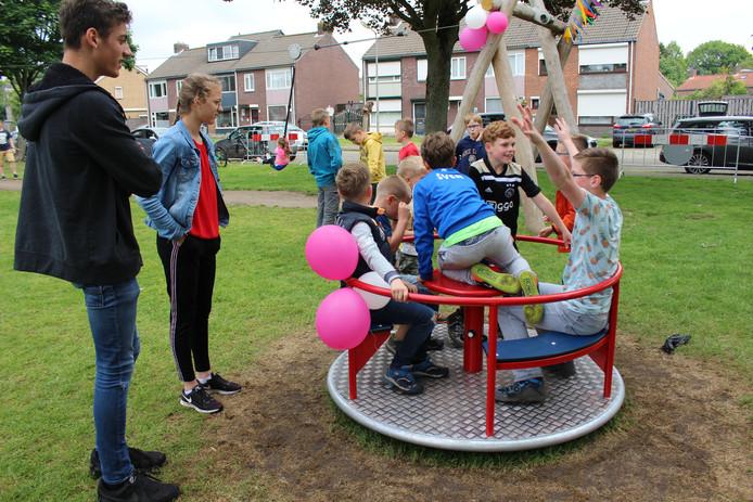 Opening speeltuin in Wouw.