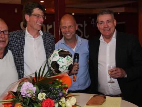 Koekoek! Sponsoravond met Sierd de Vos levert 1.100 euro op