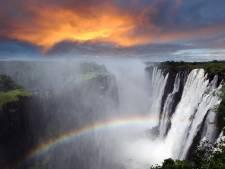 Toeristen verbijsterd: beroemde waterval nu nog maar zielloos straaltje water