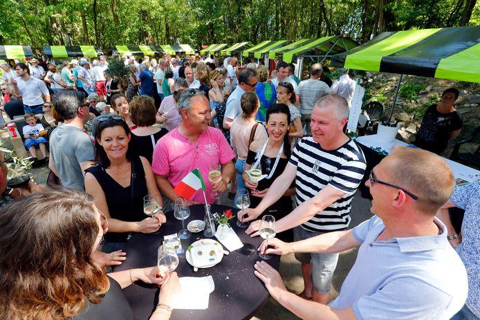 Eerste Italiaanse wijnfeest in Luyksgestel.