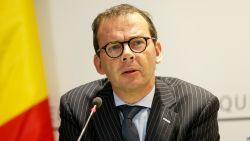 Minister Beke en Garantiefonds raden toeristen die vastzitten in hotel af om nog eens verblijf te betalen