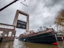 'Dit kost mij 1000 euro': sluis Roode Vaart nóg langer dicht, watersporters de dupe