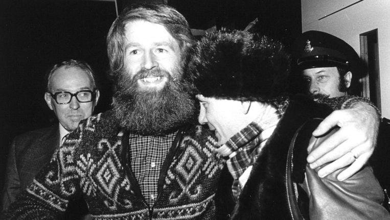 Vladimir Boekowski bij zijn aankomst op Schiphol in 1977. Beeld anp