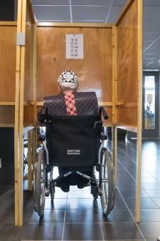 Enige stembureau in Eesveen niet toegankelijk voor rolstoelers