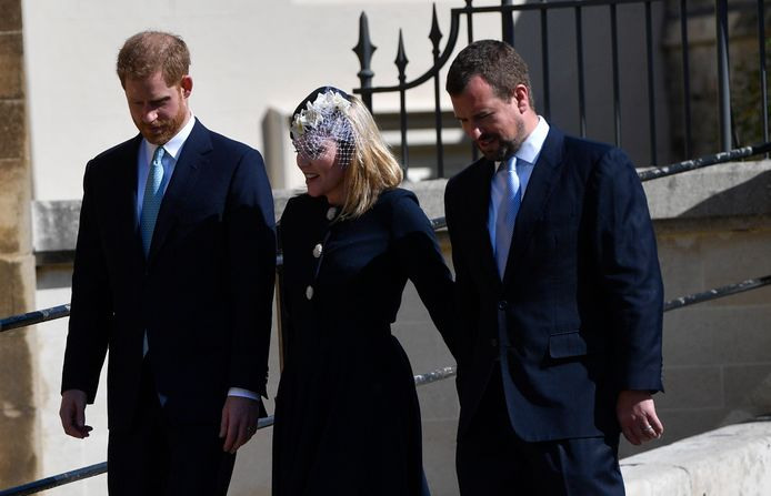 Peter Phillips et sa femme Autumn, à la droite du prince Harry.