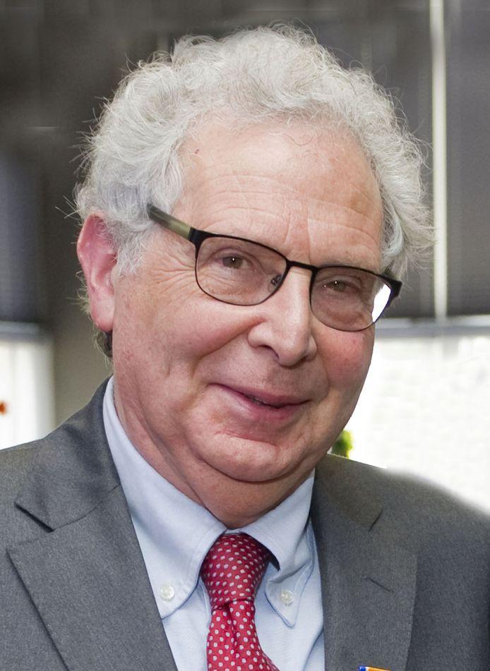 Jaap Klein werd in 2014 geridderd.