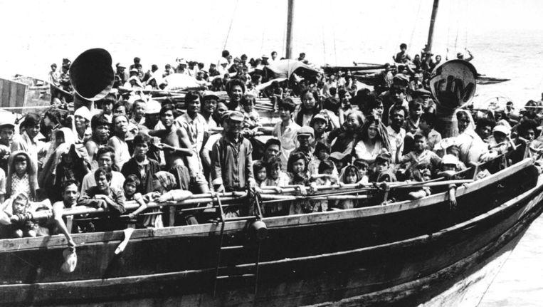 Vietnamese bootvluchtelingen in de Zuid-Chinese zee in 1986. Beeld upi