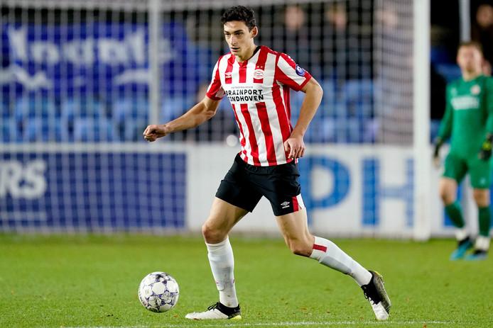 Maxime Soulas zorgde in Engeland voor een geluksmoment voor Jong PSV.