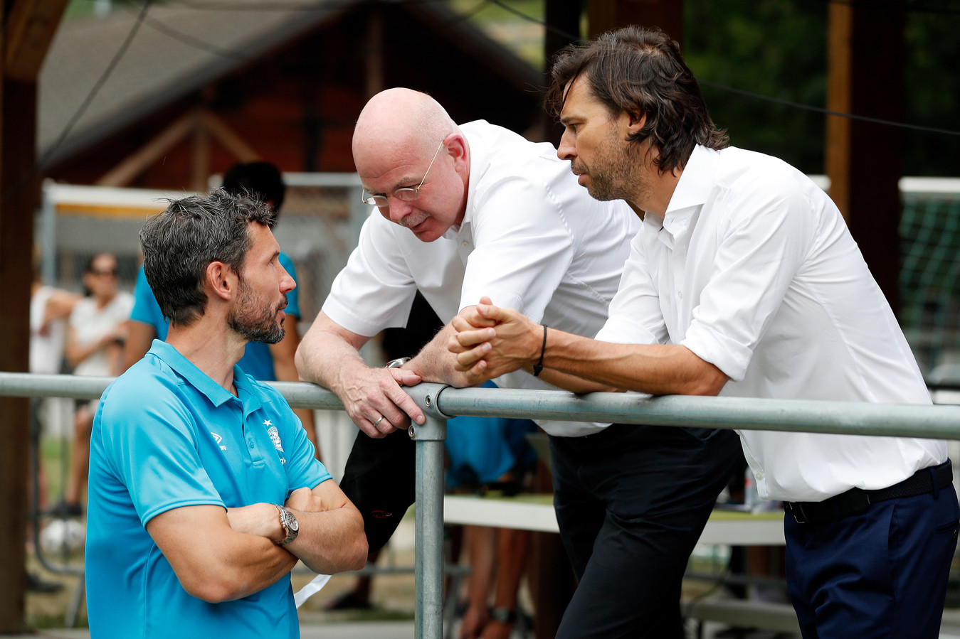 vlnr: Mark van Bommel, Toon Gerbrands en John de Jong