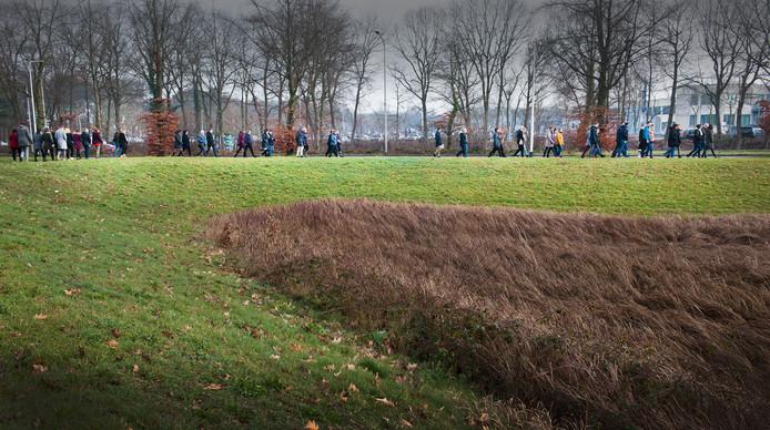Het Canisius-Wilhelmina Ziekenhuis organiseerde maandag, Blue Monday, een wandeling. Wandelen helpt tegen somberte of erger, een depressie.