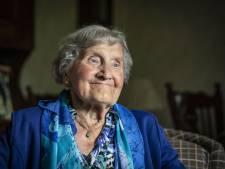 Marie Pross-Nijkamp uit Saasveld is 100: 'Spijt hebben is zonde van je tijd, het leven komt zoals het komt'