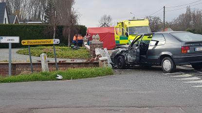Motorrijder (31) komt om het leven na zware aanrijding in Eernegem