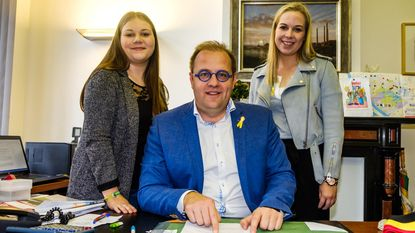 Studentes werken één dag op Niels gemeentehuis