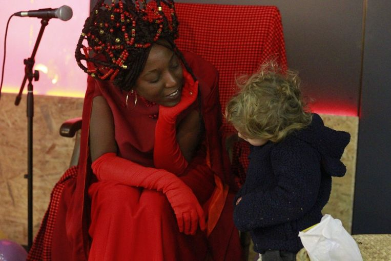 Laura Nsengiyumva is Queen Nikkolah.