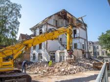 Vooraf veel kabaal, maar sloop van deze villa in Zwolle verloopt nu in stilte