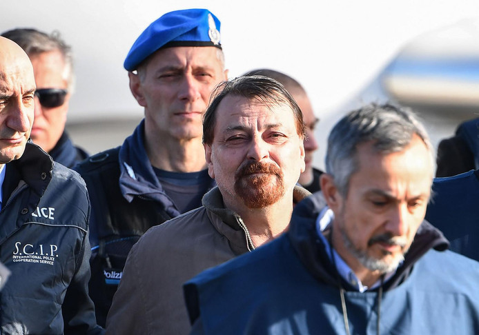 L'ex-activiste d'extrême gauche Cesare Battisti a été condamné en Italie à la perpétuité