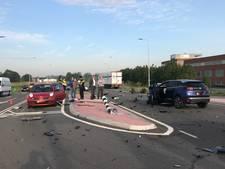 Flinke ravage na ongeluk met 4 auto's in Zaltbommel, verkeer omgeleid