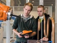 Studenten in Harderwijk leren robots puzzels oplossen