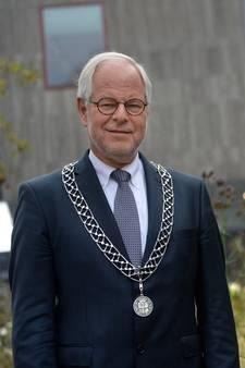 Theo Schouten stopt als burgemeester van Oldenzaal